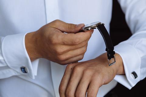 На часы комиссию сдать дорогие часы ориент